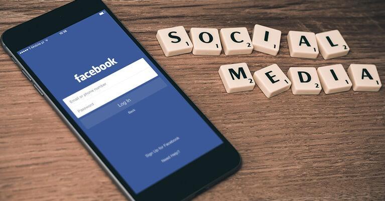 Online kommunikáció