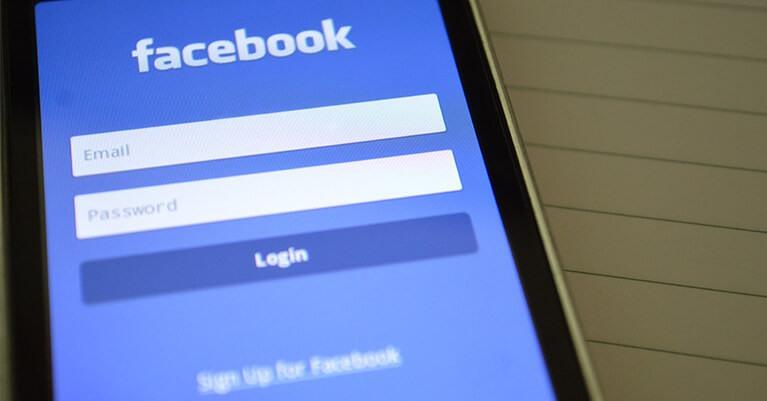 Hirdess a Facebookon!